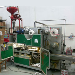 Packaging machine for pods