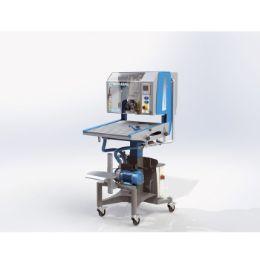 Versatile semi-automatic filling machine